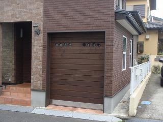 ウッディガレージシャッター施工例 千葉県D様邸